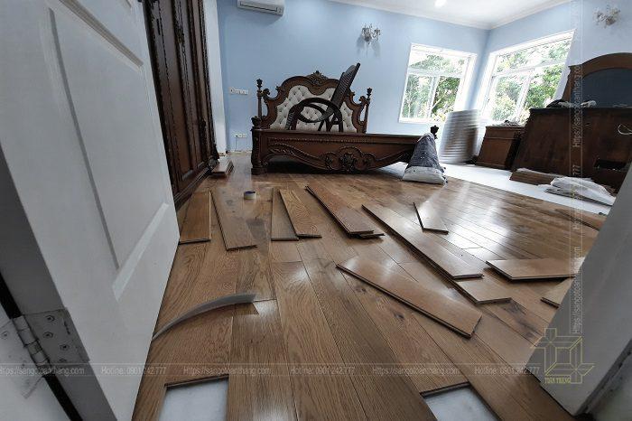 Quá trình lắp đặt sàn gỗ Sồi kỹ thuật cũng khá đơn giản