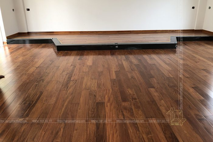 Sàn gỗ căm xe Lào khi lát hoàn thiện tạo không gian rất ấm cúng trong căn nhà