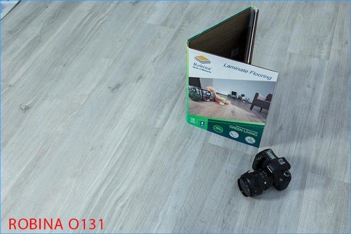 Sàn gỗ nhập khẩu từ Malaysia Robina màu xám trắng