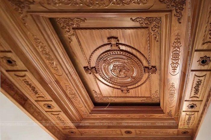 Mẫu trần gỗ tự nhiên số 24