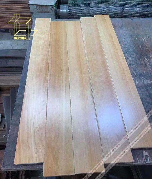 Sàn gỗ Pơ mu màu sắc rất tươi trẻ