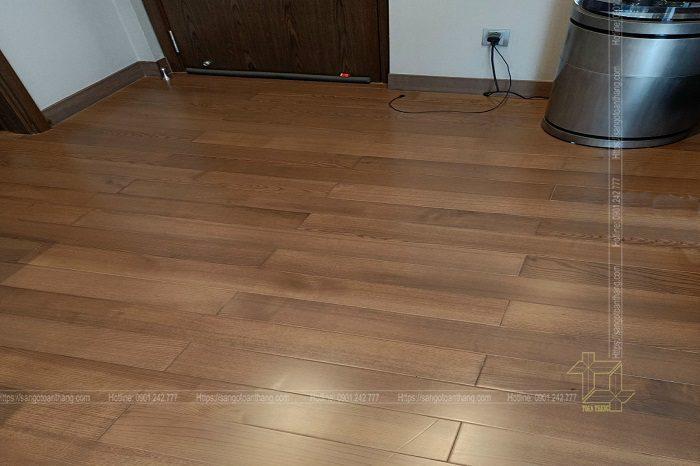 Sàn gỗ Tần Bì rất dễ lên màu