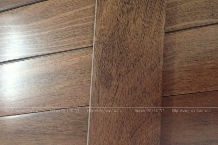 Sàn gỗ Lim Xanh bề mặt mịn và đanh hơn các loại khác