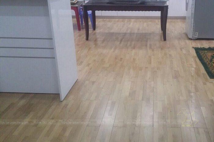 Không gian thoáng mát sau khi lát sàn gỗ