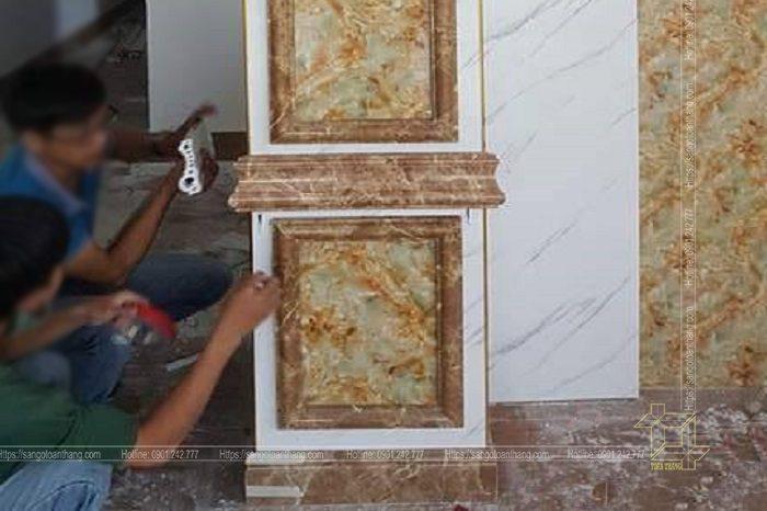 Thợ thi công tấm nhựa ốp tường đòi hỏi phải khéo tay và cẩn thận