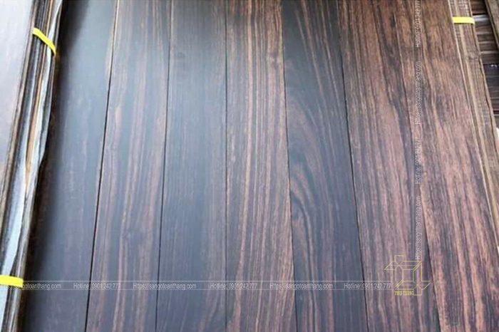 Sàn gỗ Chiu Liu Lào sau khi được sơn hoàn thiện tại nhà máy