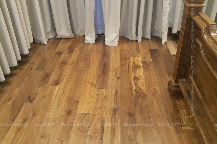 Sàn gỗ Óc chó lau dầu để đạt độ mờ và vân gỗ tự nhiên