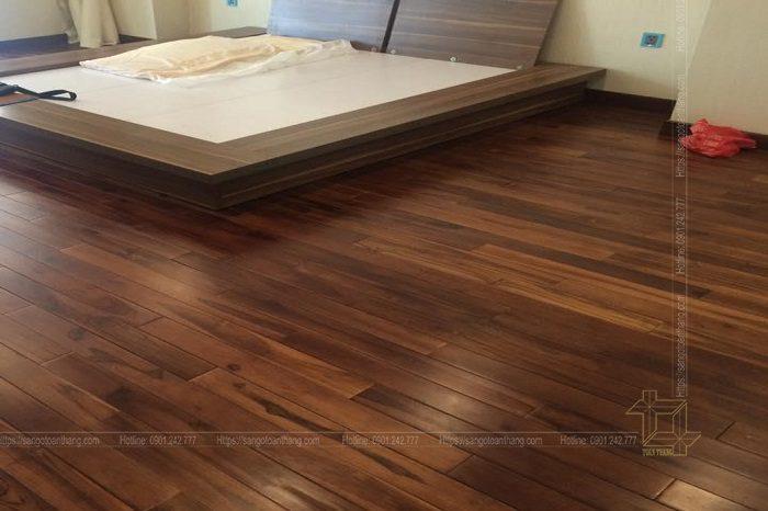 Sàn gỗ óc chó sau khi được sơn hoàn thiện