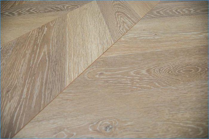Sàn gỗ công nghiệp xương cá lát kiểu Chevron