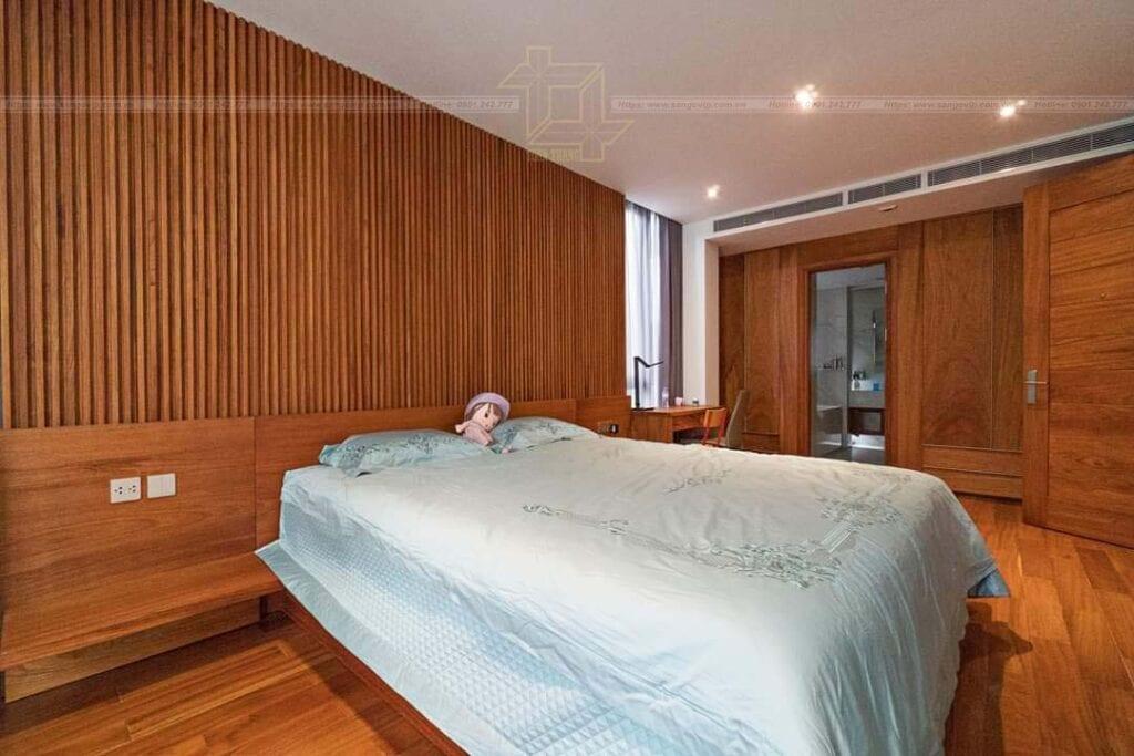 Giường ngủ làm từ gõ đỏ rất ấm áp