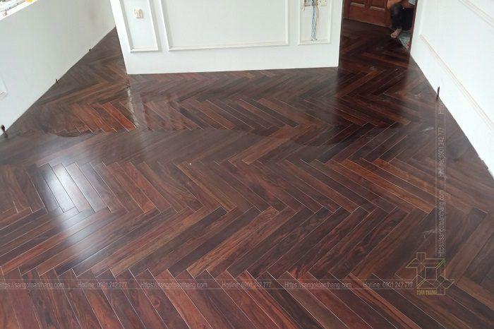 Sàn gỗ Chiu liu xương cá sau khi hoàn thiện và vệ sinh sạch sẽ