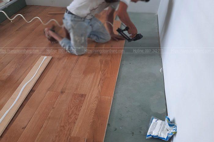 Thi công sàn gỗ tự nhiên sàn gỗ theo phương pháp dùng cốt ván ép