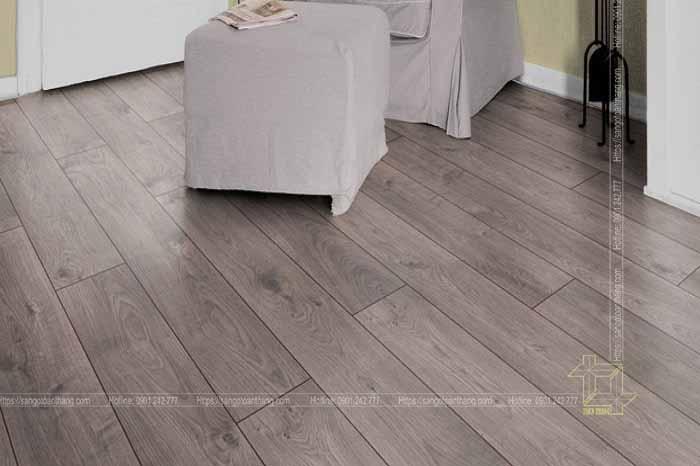 Sàn gỗcông nghiệp rất dễ phối đồ với nội thất