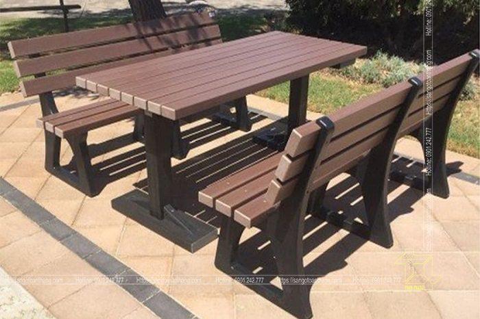 Những bộ bàn ghế ngoài trời phù hợp cho những không gian như cafe, hồ bơi, sân vườn...