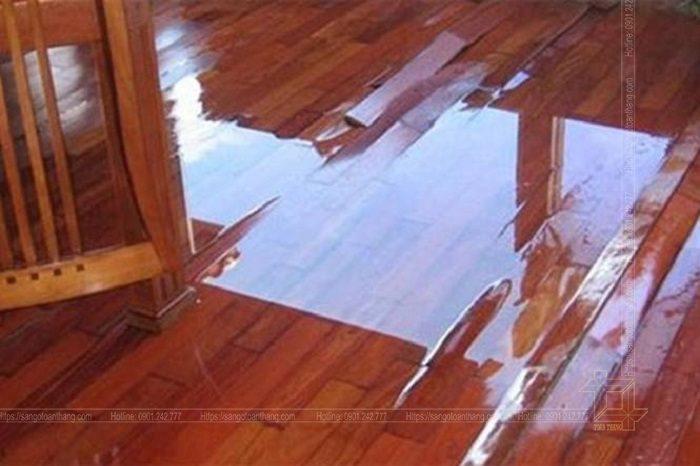 Sửa chữa sàn gỗ bị ngập nước khá nan giải