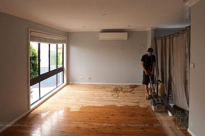 Sàn gỗ tự nhiên có thể sơn sửa lại như mới sau nhiều năm sử dụng