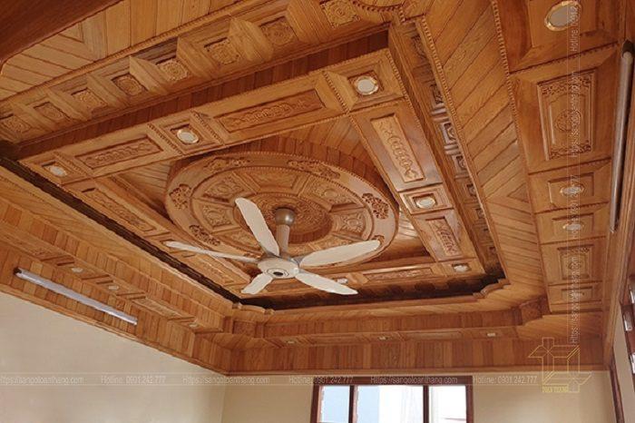 Mẫu trần gỗ tự nhiên số 08